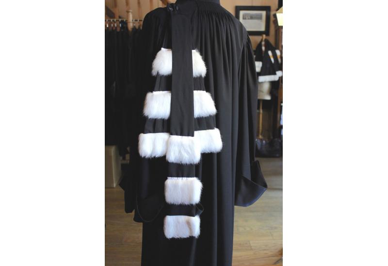 Epitoge 3 rows of Fur