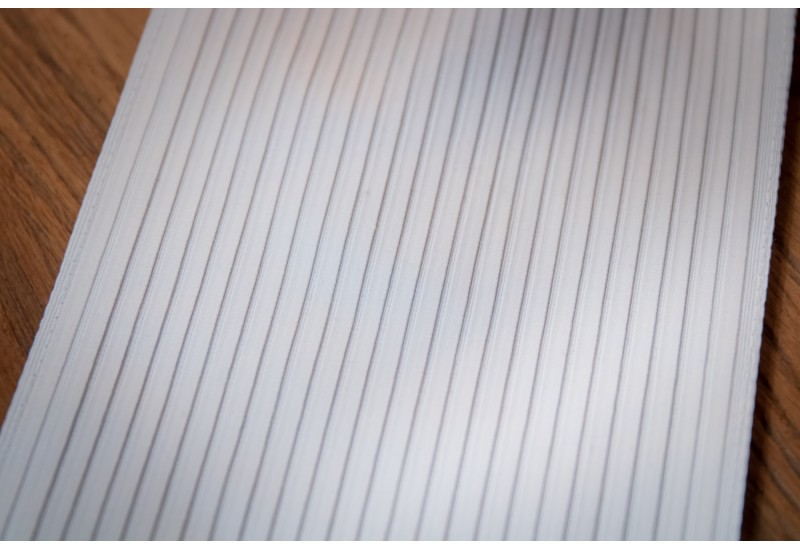 Pleats sewn tab (small folds)
